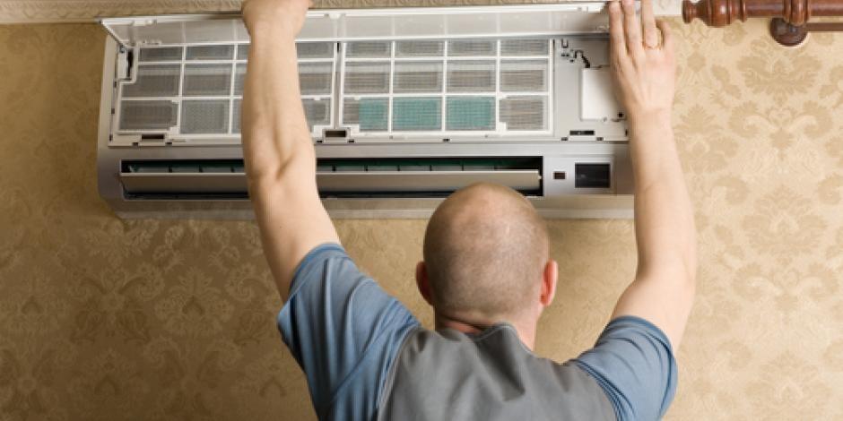 Installation-Process-of-Split-Air-conditioner-by-Atlas-Aircon-AC-Repair-Vadodara